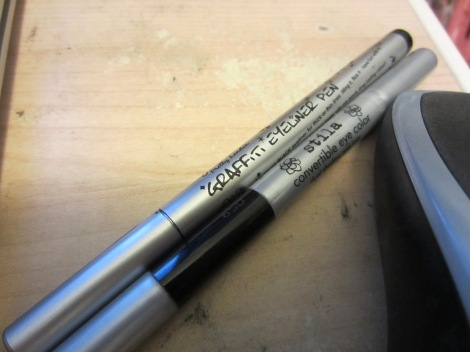 stila onyx eyeko graffiti pen